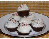 CHOCOLATE FUDGE CAKE Scented Primitive Grubby Iced Cupcakes Scented Wax Tarts Melts- Bowl Fillers