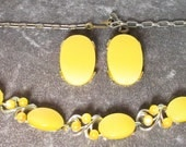 Vintage Signed STAR Yellow Thermoset Necklace and Earrings Set