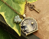 Hobbitdoor - Vintage Necklace