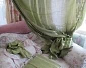 Vintage RETRO 70's Pea Green Woven Stripe Tablecloth & Napkin Set C108