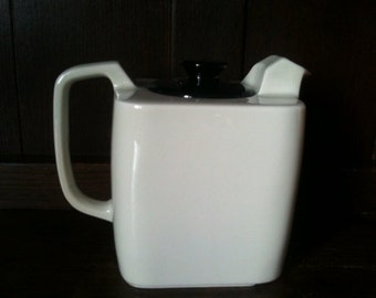 Vintage English Goblin tea pot black white circa 1960's / English Shop