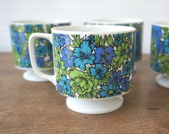 Retro Floral Mugs /  Mug Set of 4 / Vintage 1970s lime green and blue flowers