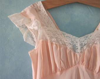 1940s Nightgown - Hollywood Elegance - Late 30s Nightgown - Great Wedding Shower Gift