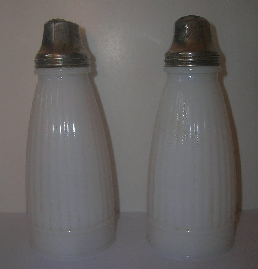 antique milk glass salt and pepper shakers antique salt and. Black Bedroom Furniture Sets. Home Design Ideas