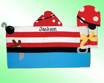 Hooded Beach Towel - Personalized and Embroidered - PIRATE