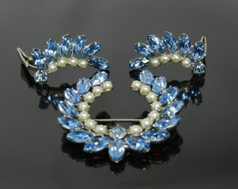 B. David Sapphire Blue Rhinestones And Pearls Laurel Wreath Brooch And Clip Earrings Demi Set