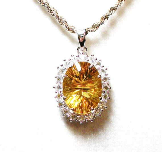 "Heliodore pendant, statement necklace  ""LIz Taylor"""