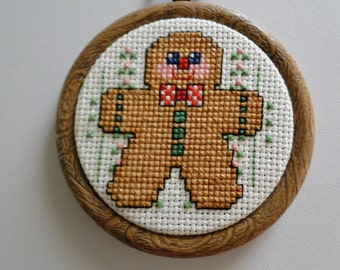 Gingerbread Man Ornament (brown frame)