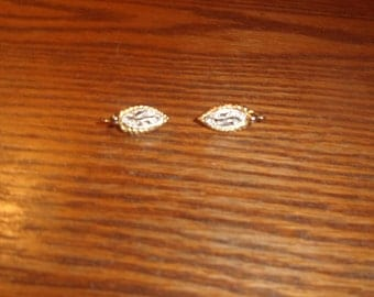 vintage clip on earrings silvertone goldtone