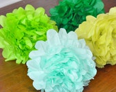 6 Tissue Poms {green with envy}