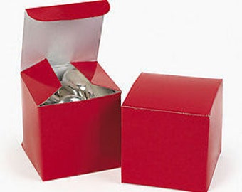 Red Favor boxes