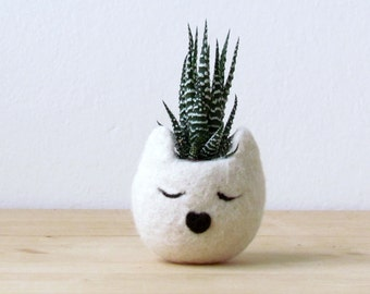 Small succulent pot / Cat head planter / white cat / Felt succulent planter / cat lover gift - Choose your color!