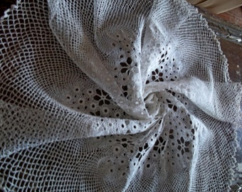 Beautiful Antique White Cotton Handmade Crochet Round Tablecloth