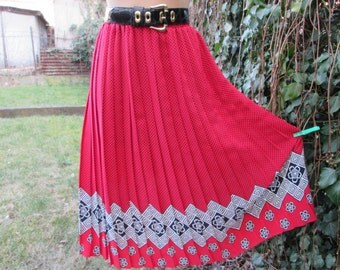 Pleated Skirt / Pleated Skirts / Skirt Vintage / Red with Black Polka Dot / Size EUR 42 / 44 X UK14 / 16 / Elastic Waist