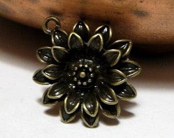 Flower Pendant Antique Bronze Alloy 27mm 2 pieces