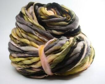 Thick and Thin Merino Handspun Yarn Slub tts Hand dyed LR Purpurea 03