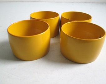 Mod Napkin Rings.   4 pieces.  Yellow.  Made in Japan.  Mid century modern, Danish Modern, Eames era. Vintage 1970.
