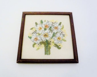 Vintage Framed Embroidered Bouquet of Lilies Bouquet Needlepoint Wall Hanging