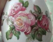 ViNtaGe Romantic Pink Roses Broken Egg Vase  Collectible  Japan