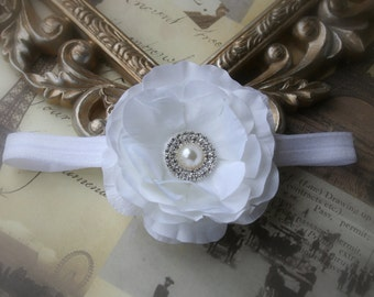 Baby Headbands..Baby Girl Headbands..Flower Headbands..white Flower Headbands..Toddler Headbands..Newborn Baby Headband..Rhinestones..Pearls