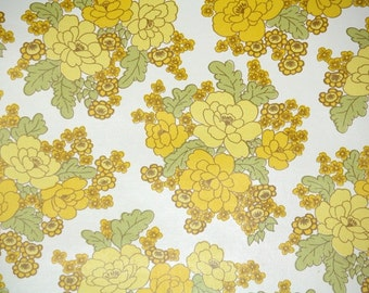 Retro Wallpaper by the Yard 70s Vintage Wallpaper - 1970s Yellow Rose Clusters on White