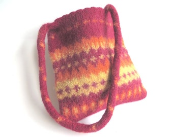 "Little felt bag/tote ""Kelim"", pure wool, knitted, crocheted, felted, knitfelt, bordeaux, wine red, orange, maize yellow, OOAK, one of a kind"