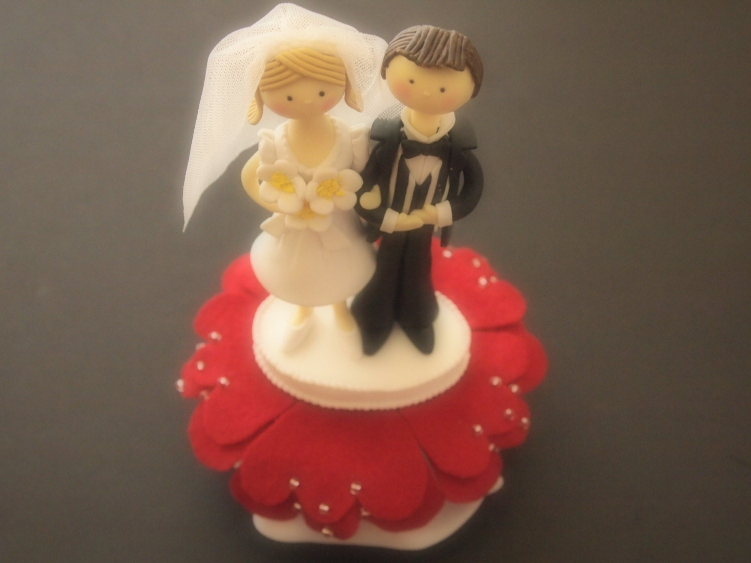 Cake Topper Wedding Ivory Red Bride and Groom