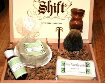 Men's Shaving Gift Set with black badger brush
