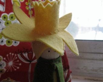 Daffodil peg doll