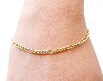 Golden Thin Chain Bracelet - Figaro - Vintage 80s Fashion Jewelry