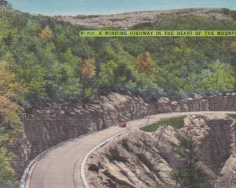 Highway, Mountains - Linen Postcard - Unused (N)
