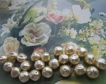 8mm Czech Creme Snailshell Pearls 25Pcs.