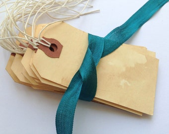 50 Medium WITH STINGS. Anthropologie Travel Theme Vintage Wedding. Gift Tag. Paper Luggage Tag. Stained. Dyed. Aged. Escort Card. LIGHT