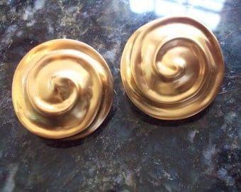 Vintage Raised Spiral Clip Back Earrings