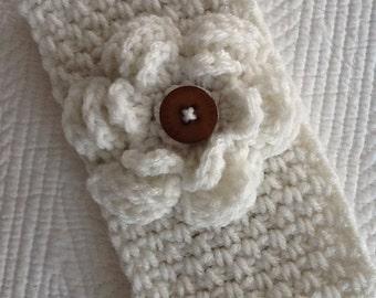 Crochet Women's or Child's Headwarmer, Off-White Headwarmer, Crochet Headwarmer, Winter Hat, Accessories, Headwarmer with Flower