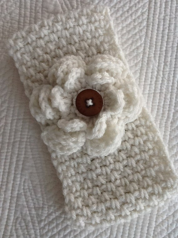 Crochet Women's or Child's Headwarmer, Off-White Headwarmer, Crochet Headwarmer, Winter Hat, Accessories, Headwarmer with Flower