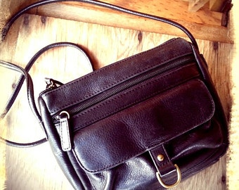 COMPACT   ///   Leather Small Purse
