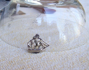 Sailing ship charm yacht boat charm for vintage bracelet sterling silver billowing sails frigate sloop pirate ship