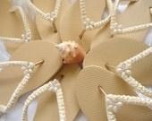 Flat flip flops Bridesmaids Favor, Ivory Bridal Flip Flops, Bridesmaids shoe, Wedding flip flops, Bridesmaid flip flop, Bridal Party, 1 Pair