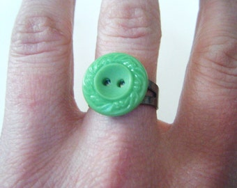 Vintage green button ring