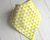 Bandana Dribble Bib with Organic Bamboo/Cotton Fleece and 'Lemon Yellow Triangles' fabric  - A Gift Idea by Cwtch Bugs
