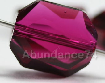 4 pcs Genuine Swarovski Crystal 5520 12mm Graphic Bead - RUBY