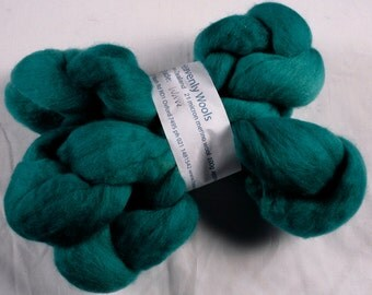 Hand dyed combed NZ Merino wool for felting and spinning - 100gr - semi-solid - Wave