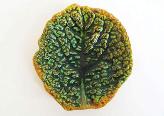 1800's Majolica Butter Pat - Nubbly Green Cabbage Leaf - Victorian Nature Garden Theme - Home Decor