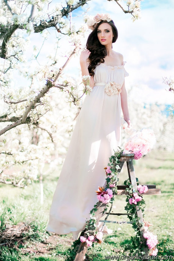 empire wedding dress , romantic wedding dress