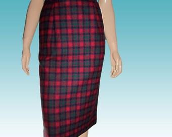 80s PENDLETON Tartan Plaid Wool CAREER Skirt waist 26 UNWORN w Original Tags Classic Sophisticated
