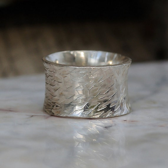Mens Wedding Band – Urban Promise Ring for Men or Women – Sterling Silver Wedding Band