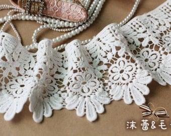 Off White Cotton Lace Trim, scalloped lace trim, retro floral lace trim, by the yard