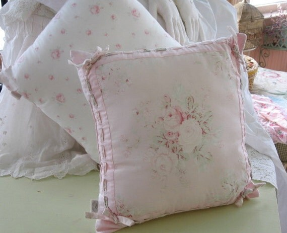 Shabby Chic By Rachel Ashwell PAIR of pillows Rachel Ashwell