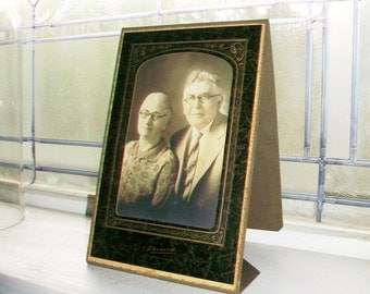 Vintage Photograph Grandma And Grandpa In a Great Frame